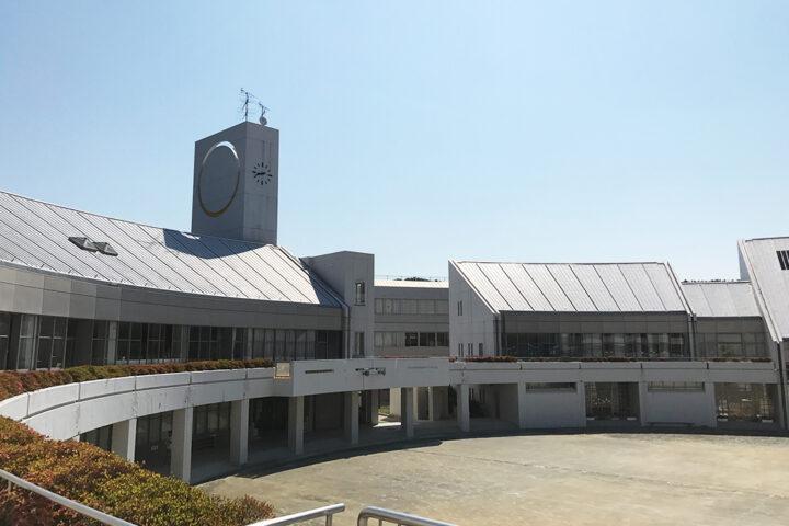 学校法人桐蔭学園